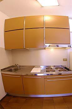 ferienwohnung residenz il patriarca mehrfamilienhaus. Black Bedroom Furniture Sets. Home Design Ideas